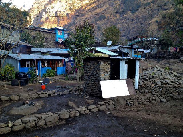 Day 3: Jagat - Dharapani (1960 m)