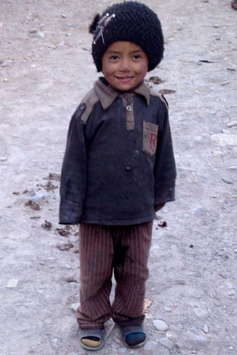 This kid is from the small village just before Chame.